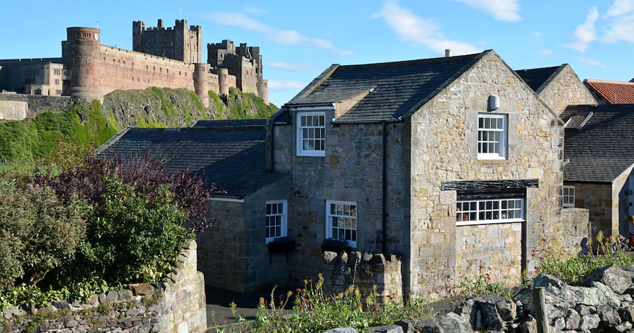The Haven, The Wynding, Bamburgh - sleeps 4