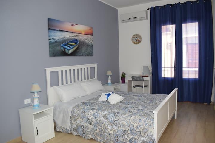 """Casa Campisi, camera""""Nonna Pippina"""" con wc privato"""