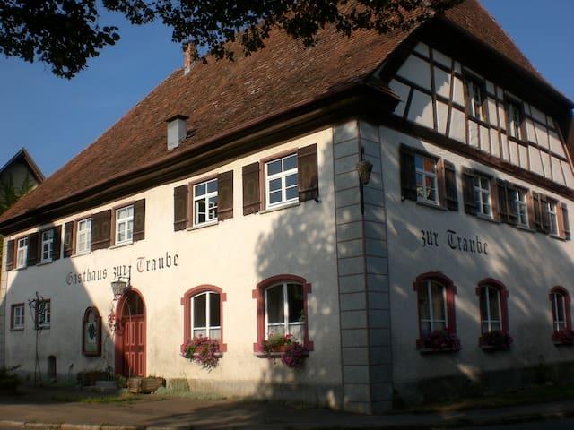 Gasthaus zur Traube - Wilhelmsdorf - Rumah