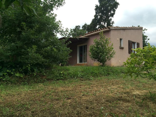 In the countryside, 3 kilometres from the sea. - Sorbo-Ocagnano - Bungalow