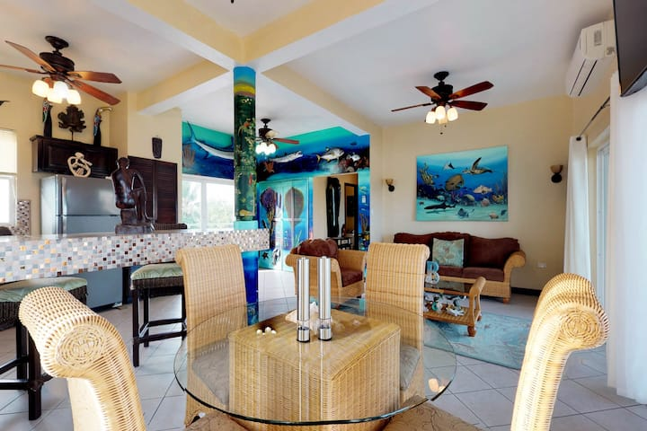 Beautiful Condo with Ocean and Lagoon Views