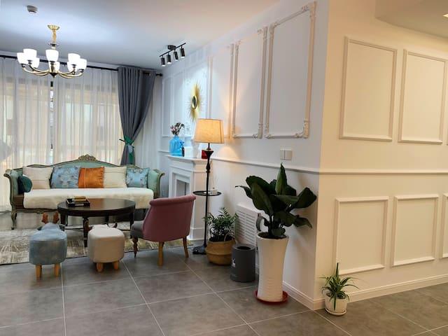 梁府山居小院/嬉戏谷太湖湾法式北欧日式混搭有阳光房小花园的三房二厅,提供汉服免费体验