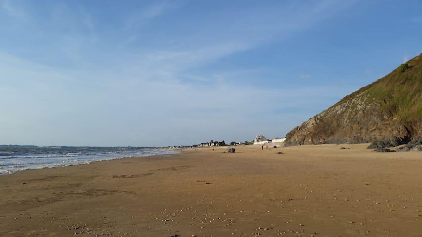 Duplex avec vue sur mer à 40m de la plage de sable