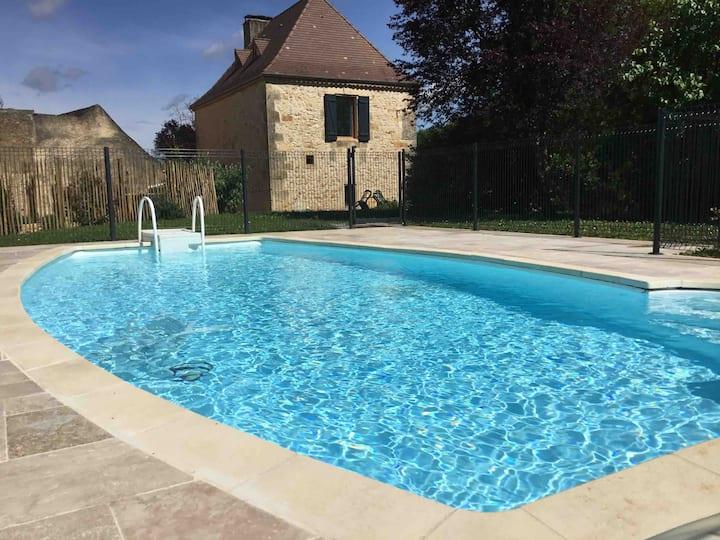 Charmante maison en pierre du XIXème avec piscine