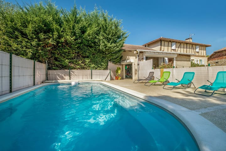 Villa de 4 chambres à Courrensan, avec piscine privée, jardin aménagé et WiFi - à 140 km de la plage