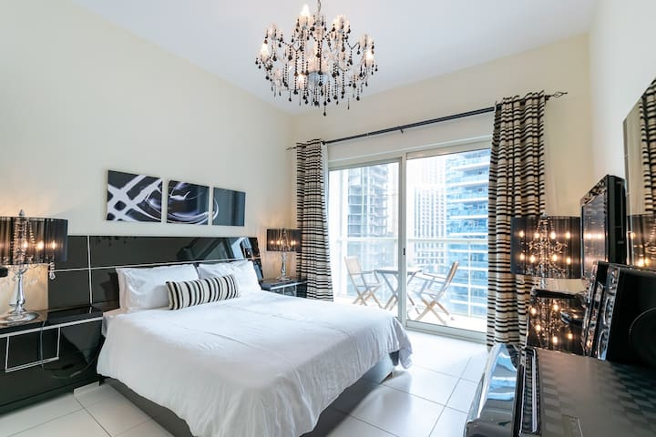 Modern Studio | Partial Sea View | Steps to JBR!