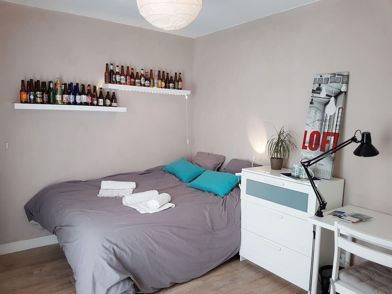 Bienvenue chez nous, voici votre future chambre!