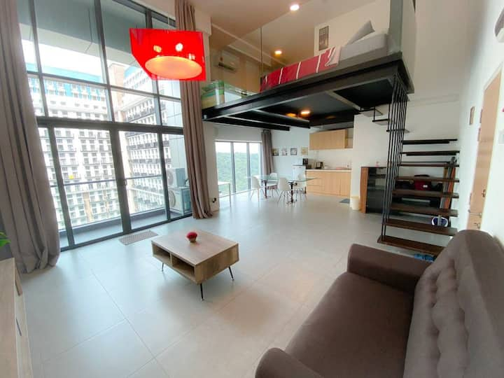[HOT!] Spacious Duplex Loft | WiFi & Netflix