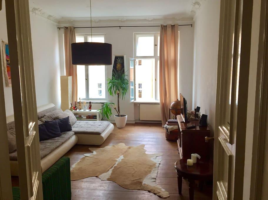 living room / Bedroom 2 with extra proper mattress