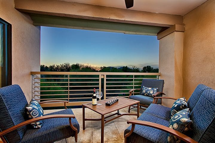 Prime Location, Next to Golf, Heated Pool, Spa