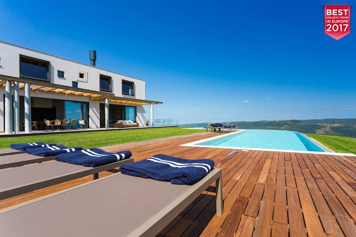Modern Villa Vista, in Istria, with a Pool