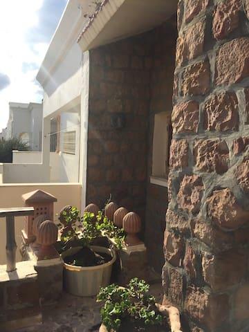 3 chambres salon cuisine terrasse
