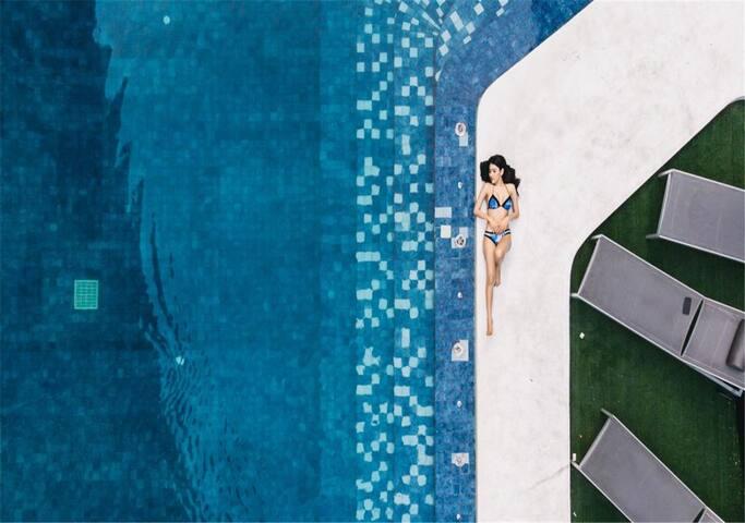 Pattaya 暹宿®免费专车接机,市中心网红打卡公寓、室外泳池、临近海湾、免费健身房、桑拿房