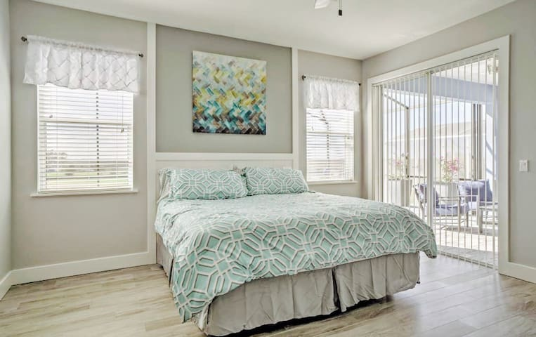 Stunning Master suite w/ golf view - Davenport - Bed & Breakfast