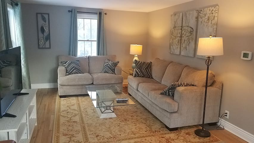 Executive Apartment in Quiet Neighborhood