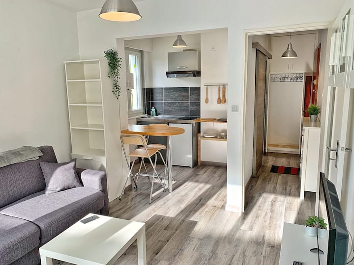 ★Studio Metman★METZ★2 PERSONNES ★ SMART & CLEAN★