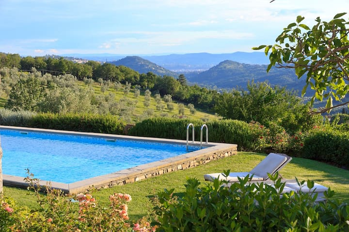 Deluxe villa with design and views near Florence