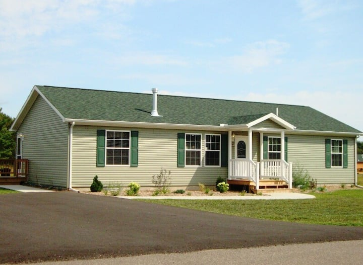 Nice and Relaxing @ Spring Brook Resort | Cozy Ranch Home | Close to Clubhouse