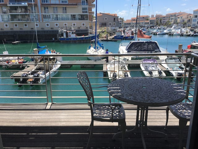 Beautiful studio apartment with port & ocean views - Saint Francis Bay - Lägenhet