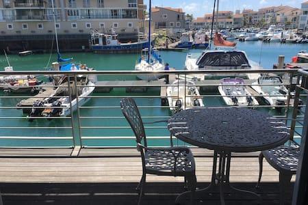 Beautiful studio apartment with port & ocean views - Saint Francis Bay - Apartmen