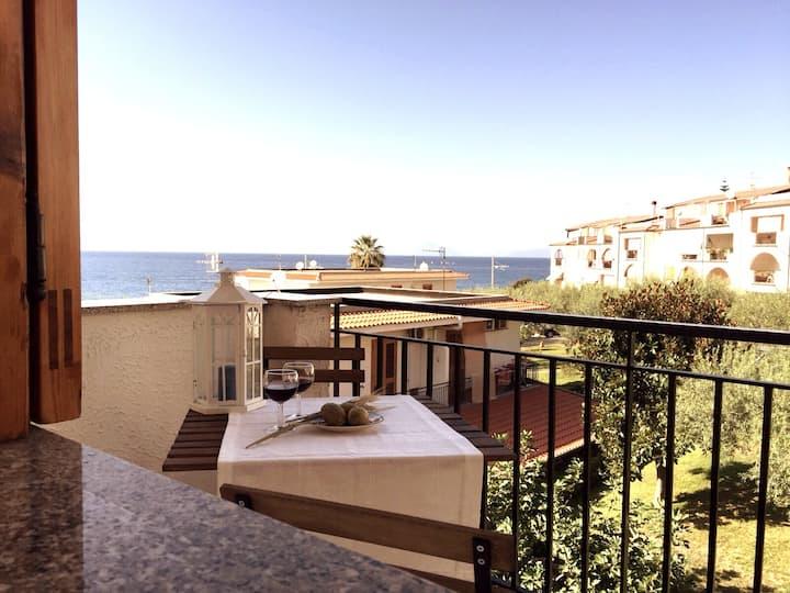 Gioiosa Marea Sicilia vista Eolie