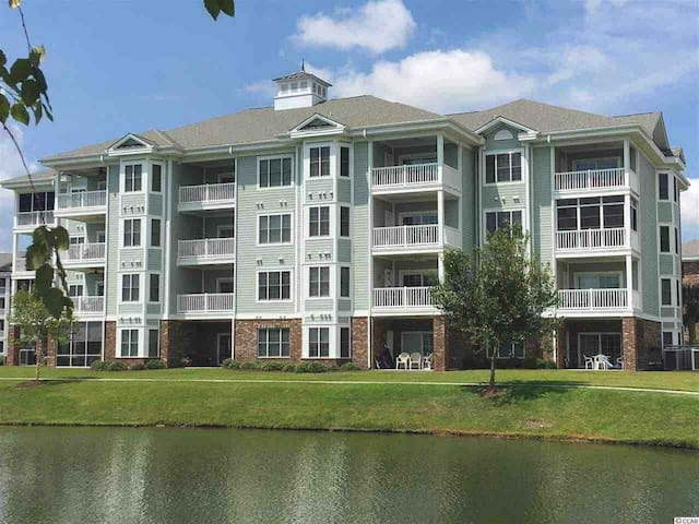 Gorgeous Condo located in heart of Myrtle Beach!
