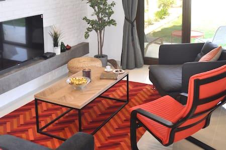 New Luxury Suite - Amazing Views & Lovely Garden