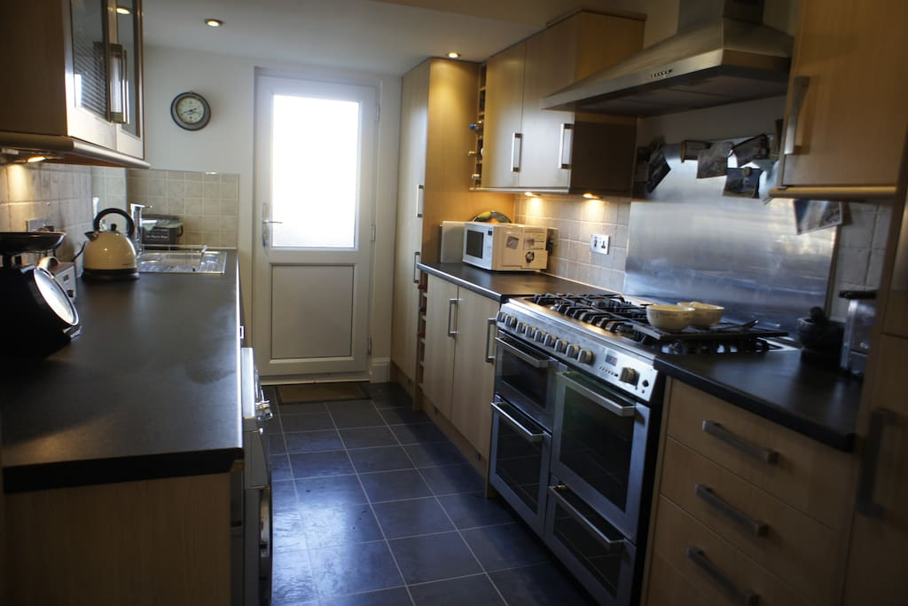 Large, spacious kitchen - fully equipped and perfect for families