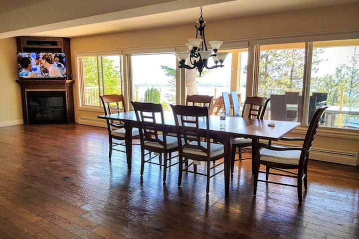 Lakeview 5800sf house with indoor pool - West Kelowna - House