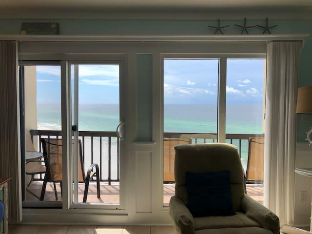 Stay at Mips' Ocean Front Retreat, Pinnacle Port