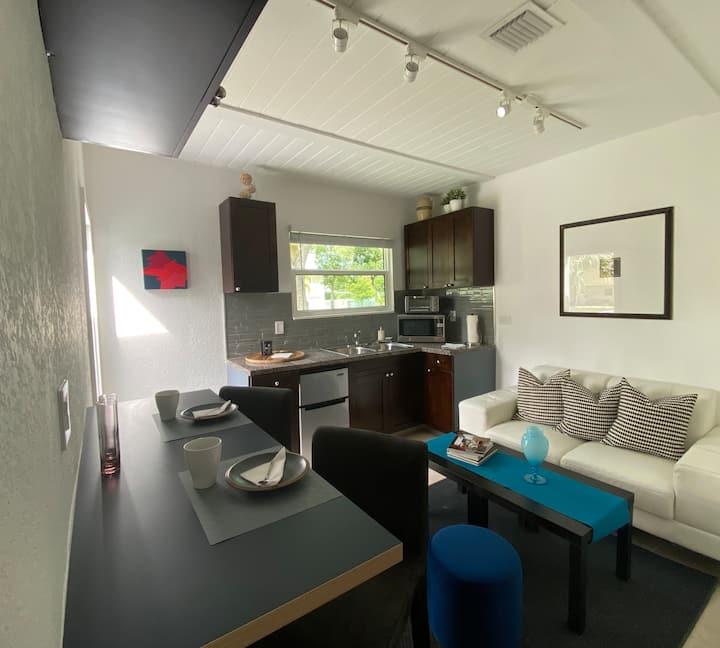 Designer Cottage in Coconut Grove