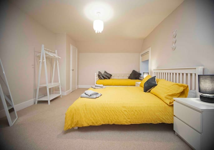 The Maisonette, Centre of Thurso sleeps 6