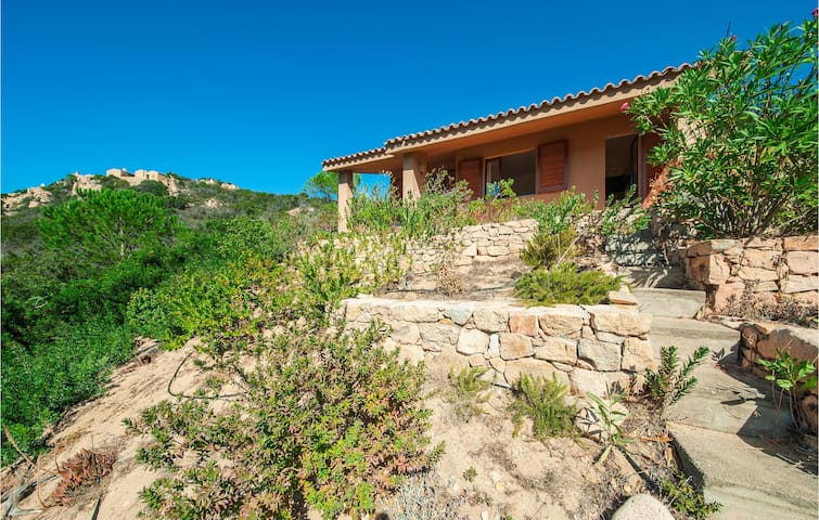 Holiday cottage with 2 bedrooms on 89m² in Trinita´ d' Agultu OT