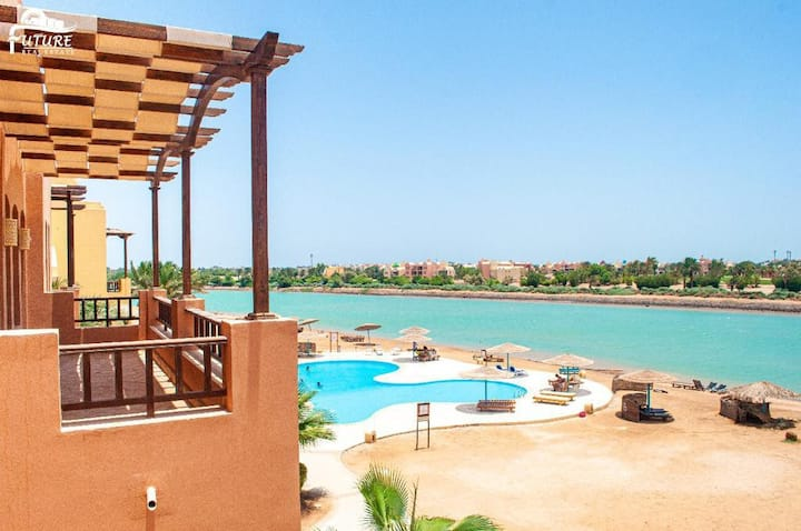 One bedroom flat in West Golf Elgouna Y12