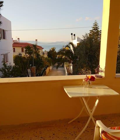 """""""Orange sea"""" studio near the sea,Souvala,Aegina"""