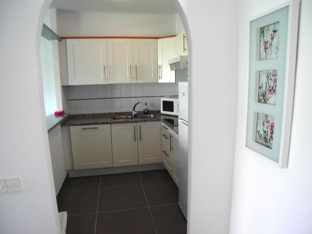 Lovely 3 bedroom house with closed garden. - Torroella de Montgrí - House