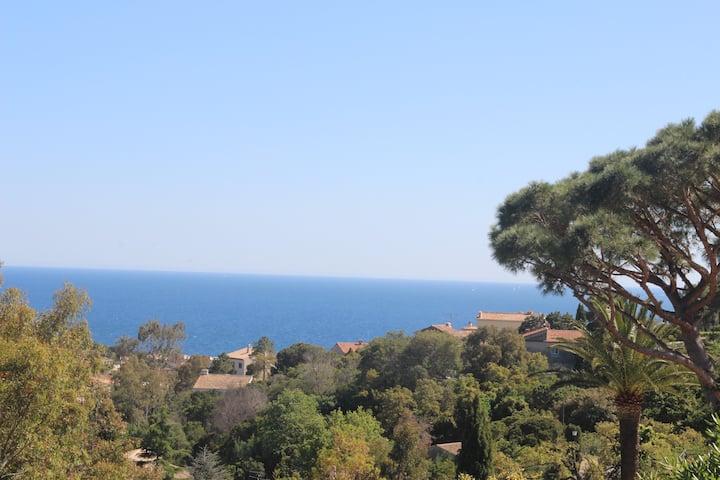 Villa 4* Piscine Vue mer Calme Plage 15 mn à pied