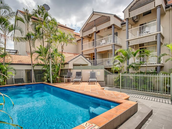 Kangaroo Point*1 Bed*Pool*Parking*Walk to Ferry