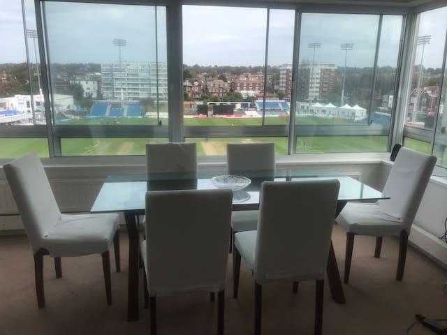 Huge 1b flat, views of cricket, massive balcony