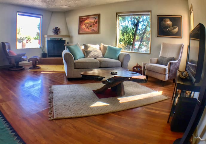 Charming Historic Home- in the Center of Tucson
