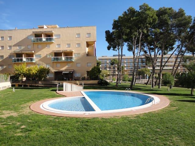 Apartamento con piscina 8 personas apartamentos en alquiler en salou catalunya espa a - Apartamentos salou personas ...
