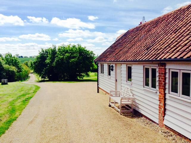 Stunning Barn , 20 mins Southwold , Coast . - Chediston - House