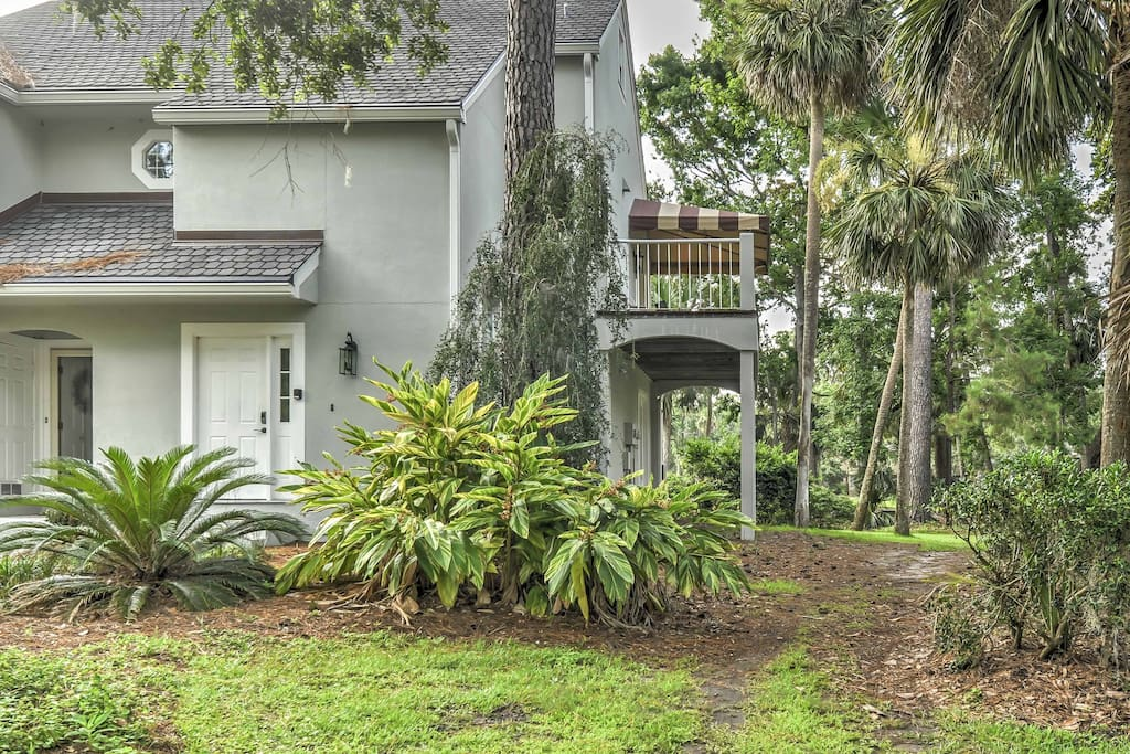The villa is located in the peaceful Shipyard Plantation.