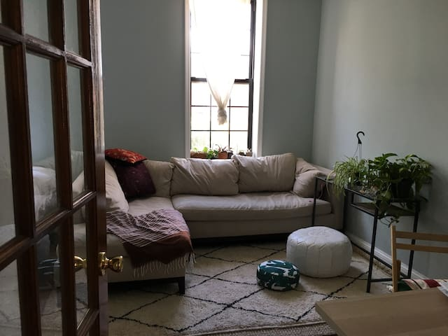 Super clean, cozy beautiful 1bd in Passyunk Square