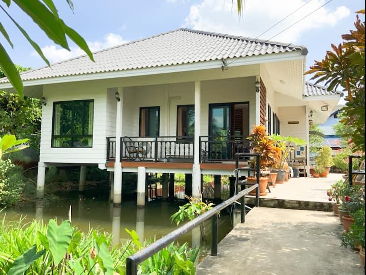 Private house (私人住宅) Bang Kruai Homestay