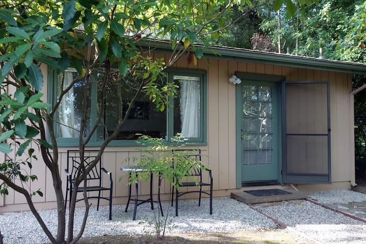 Little Cottage on the Hill - Hillsborough - Kulübe