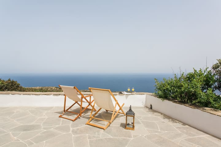 Cycladic cottage up to 6 with panoramic sea view