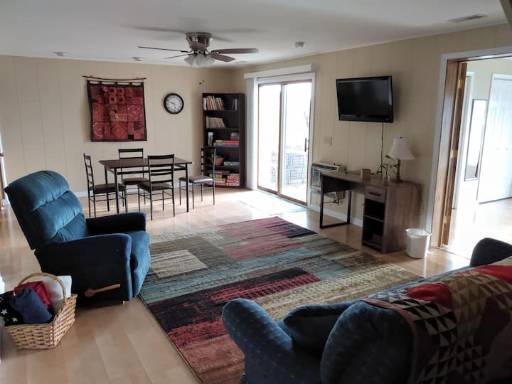 Two bedroom Shenandoah Valley apartment with view