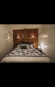 Boone Trace Inn,  Charming Bedroom #3