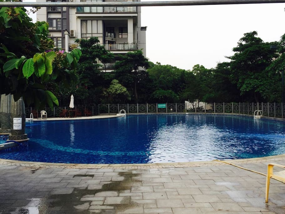 Public pool in the neighborhood
